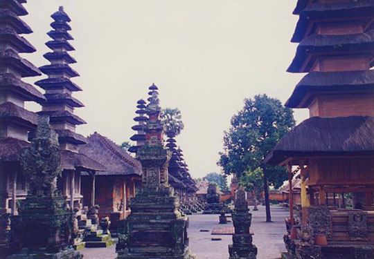 Pura Taman Ayun temple in Mengwi, Bali at The Cheshire Cat Blog