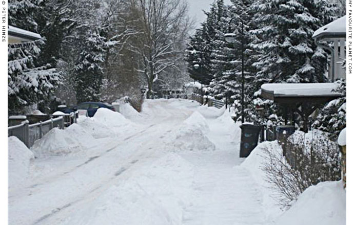 Deep snow in Bernau by Peter Hinze at The Cheshire Cat Blog