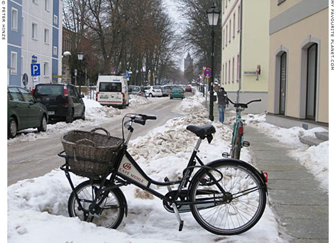 Delivery bicycle in Bernau by Peter Hinze at The Cheshire Cat Blog
