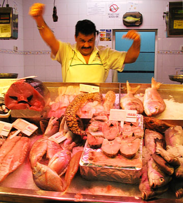 Fishmonger's stall in the indoor market, Afortunada at The Cheshire Cat Blog