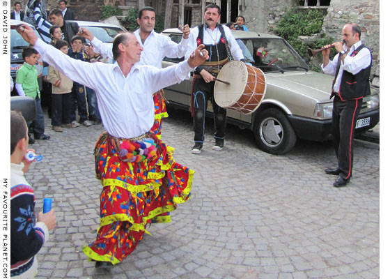 Kocheck dancers and musicians in Istanbul at The Cheshire Cat Blog