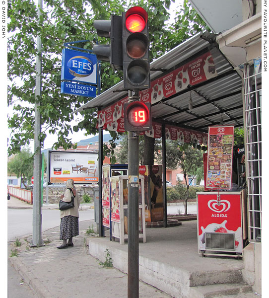 Traffic light countdown in Söke, Aydin Province, Turkey at The Cheshire Cat Blog