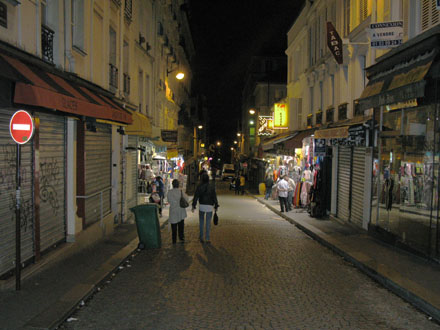 Montmartre street by night, Paris at My Favourite Planet