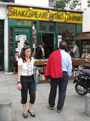 Shakespeare and Company bookstore, Paris at My Favourite Planet