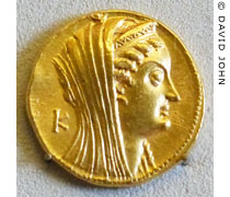 Gold oktodrachme coin with the head of Arsinoe II of Egypt at My Favourite Planet