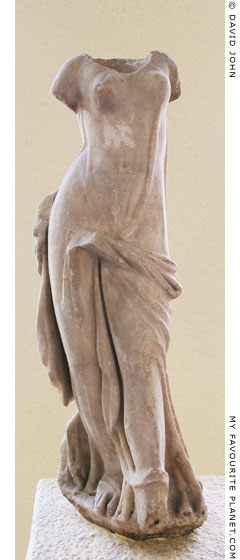 Marble statuette of a female dancer from Pergamon at My Favourite Planet