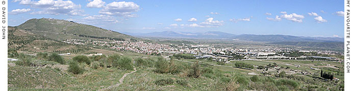 Panoramic view of Bergama and the Pergamon acropolis, Turkey at My Favourite Planet