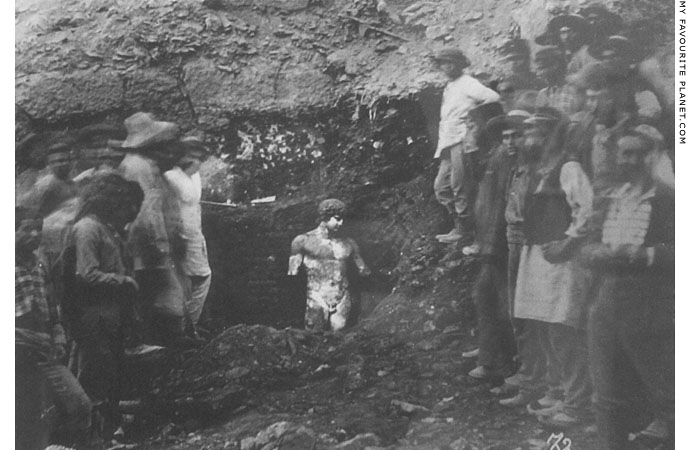 Photo of the discovery of the Antinous statue in Delphi at My Favourite Planet