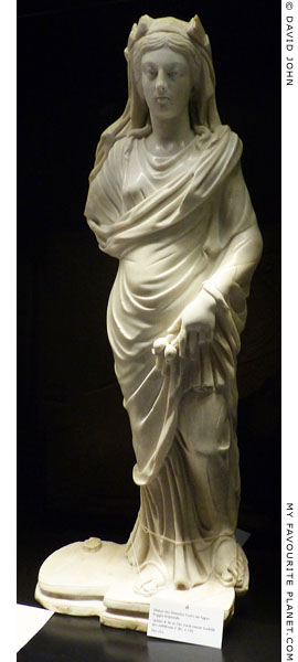 Marble statuette of Demeter-Ceres of the Poggio Imperiale type at My Favourite Planet