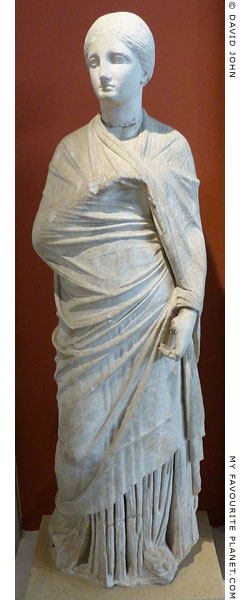Marble statue of the Small Herculaneum Woman type at My Favourite Planet