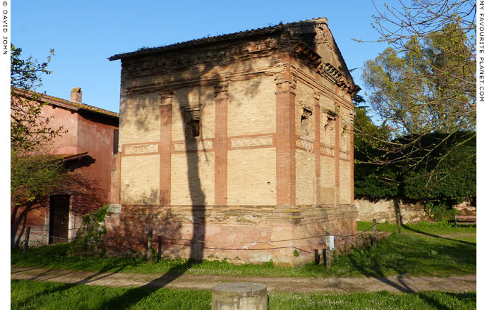 The tomb of Annia Regilla in Rome at My Favourite Planet