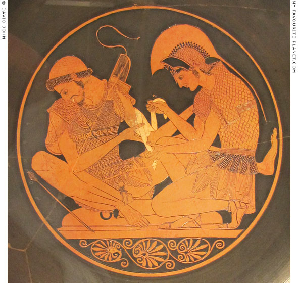 Vase painting of Achilles binding the wound of Patroklos by the Sosias Painter at My Favourite Planet