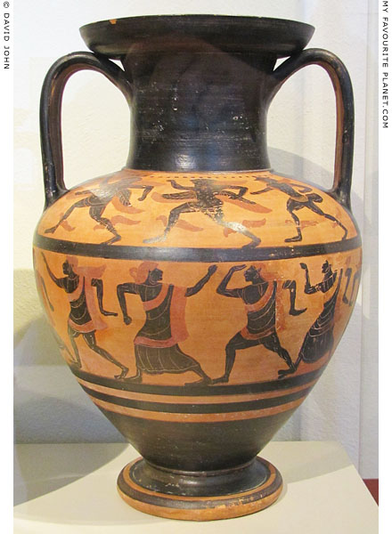The Round Dance amphora in Berlin at My Favourite Planet