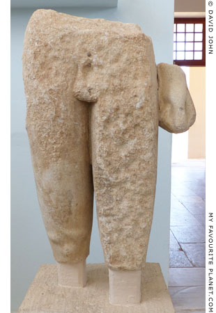 The kouros associated with the Delos statue base at My Favourite Planet